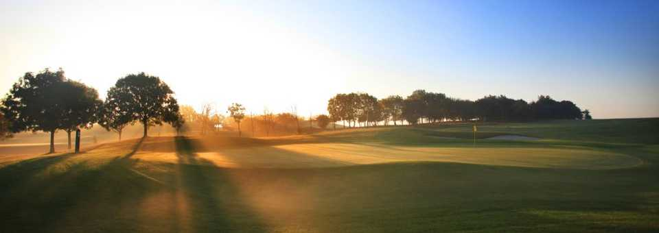 Sunrise at Stockley Park Golf