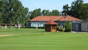 1st Fuerth GC: putting green & clubhouse