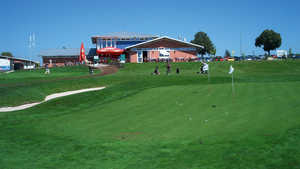 Augsburg GR: clubhouse & pitching green