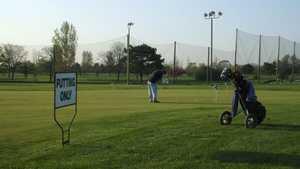 Fresh Meadow GC: Practice area