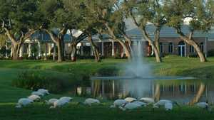 Vero Beach CC: Clubhouse