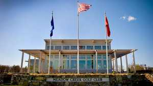 Four Oaks GC: clubhouse