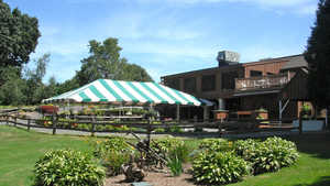Oak Ridge GC: Clubhouse