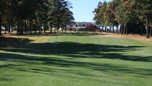 Saluda Valley CC: #10 & clubhouse