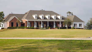 Gray Plantation: Clubhouse