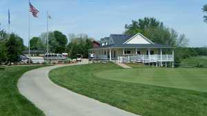 Buffer Park GC: practice area & clubhouse