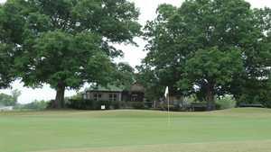 Double Oaks GC: clubhouse
