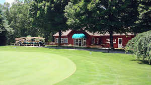 Hills Heart of the Lakes GC: clubhouse