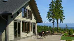 Alderbrook GC: clubhouse (terrace)