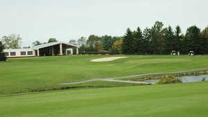Pine Hills GC: clubhouse