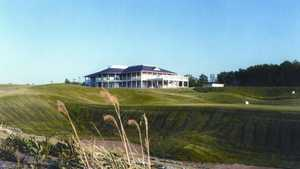 Kearney Hill Golf Links: #18 & clubhouse