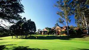 Killara GC: #18 & clubhouse