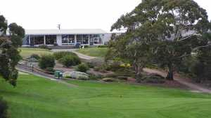 Victor Harbor GC: Clubhouse & #18