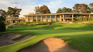 Kew GC: #18 & clubhouse