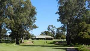 Riverside GC: Clubhouse