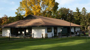 Shorewood GC: Clubhouse