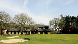 Thetford GC: #18 & clubhouse