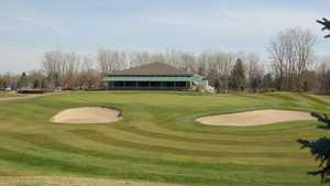 Hickory Creek GC: Clubhouse & #18