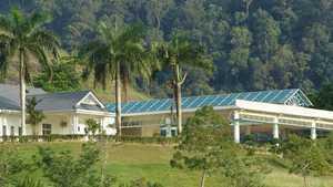 Gunung Raya GR: Clubhouse