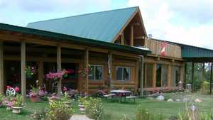 Big Tee Golf: Clubhouse