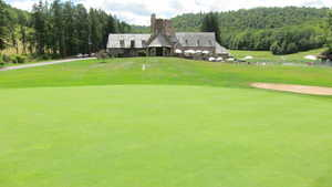Pennhills Club: Clubhouse & #18
