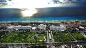 Grand Oasis Resort: Aerial view