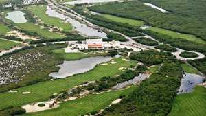 Riviera Cancun Golf & Resorts: Aerial view