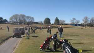 Arroyo Del Oso GC: Driving range