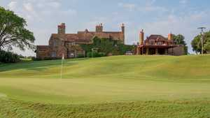 Hawks Creek GC: clubhouse
