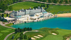 Fontana Golf Club: Overview of the clubhouse