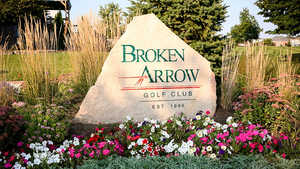 Broken Arrow GC: Sign