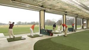 Cantigny Golf: Indoor practice area