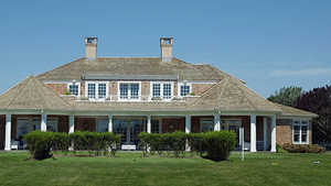 Quogue Field Club: Clubhouse