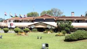 Club Centenario: Clubhouse