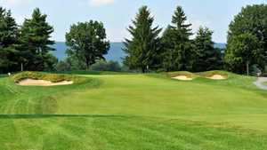 Colonial Golf & Tennis Club.: #18