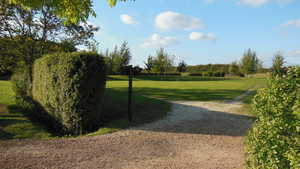 Colmworth & North Beds GC: Puttin green