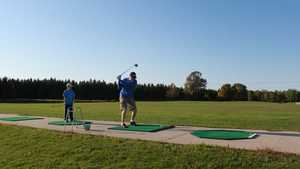 27 Pines GC: Driving range