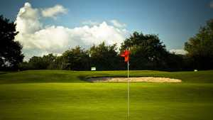 Ravenmeadow Golf Centre - 7th Green