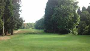 18th green at Gatton Manor