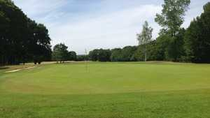 6th green at Brokenhurst Manor