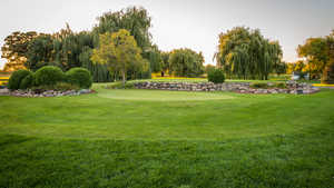 Shadowbrook Inn & Resort: Puttin green