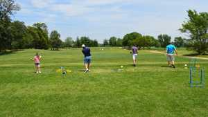 Lakewood Golf: Practice area