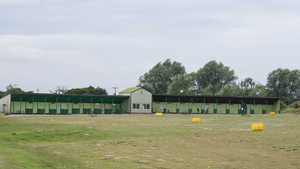Dunton Hills Family Golf Centre: Driving range
