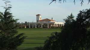 La Carolina G & CC: clubhouse
