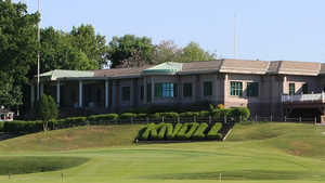 Knoll West CC: Clubhouse