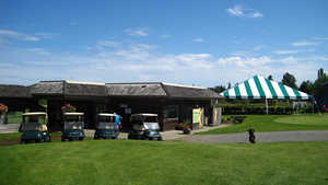 Mulligans GC: Clubhouse