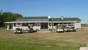 Smoky River Regional GC: Clubhouse