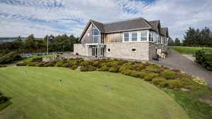 Alyth GC: Practice area & clubhouse