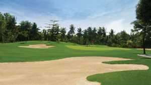 Queen's Island Golf & Village