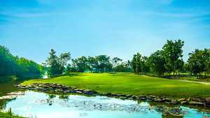 Lake View Resort & GC